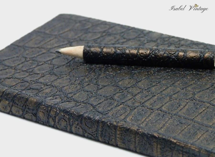 libreta-forrada-papel-pintado-piel