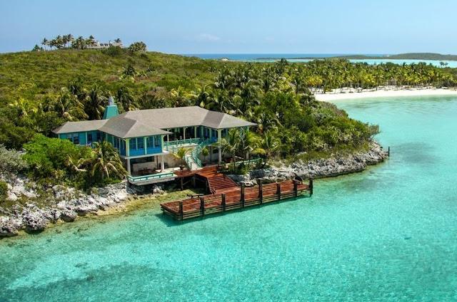Ingin Merasakan Berlibur di Pulau Pribadi? Siapkan dana Rp 729