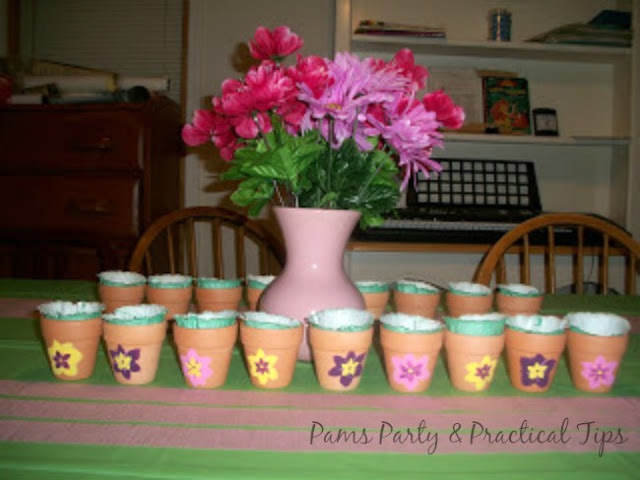 Garden Party Table, Flower Pot Favors