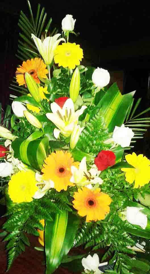 IMAGENES DE ARREGLOS FLORALES PARA IGLESIAS - Arreglos Florales