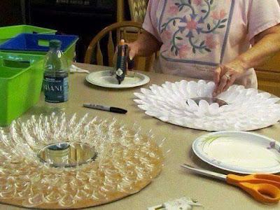 Plastik Kaşıklardan Yapılan İlginç Tasarımlar