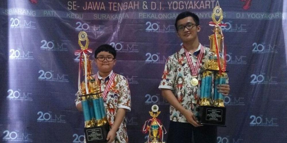 Ferdinand Juara 1 dan Aristo Juara 2 UNDIP's Mathematic Competition