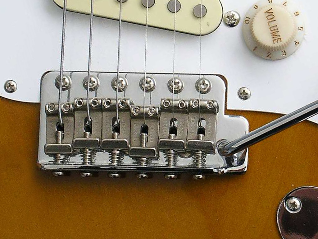 Setting up or adjusting a Fender Stratocaster tremolo | DIY