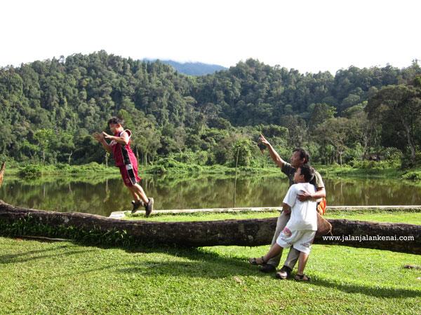 Romantisan di Situ Gunung