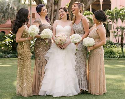Επάγγελμα παράνυμφος – Πόσα λεφτά βγάζει αυτή η 29χρονη για να πηγαίνει σε γάμους