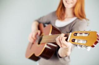 10 Lagu Yang Cocok Untuk Belajar Gitar