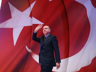 Δικαστήριο στα Σκόπια επέβαλε πρόστιμο σε πολίτη επειδή ειρωνεύτηκε τον Τούρκο πρόεδρο Ερντογάν στο facebook!