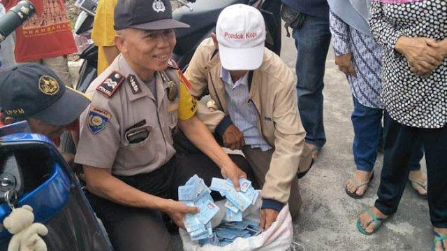 Polisi Sita eKTP yang Tercecer di Jatim, Satu Karung Berjumlah 3.000