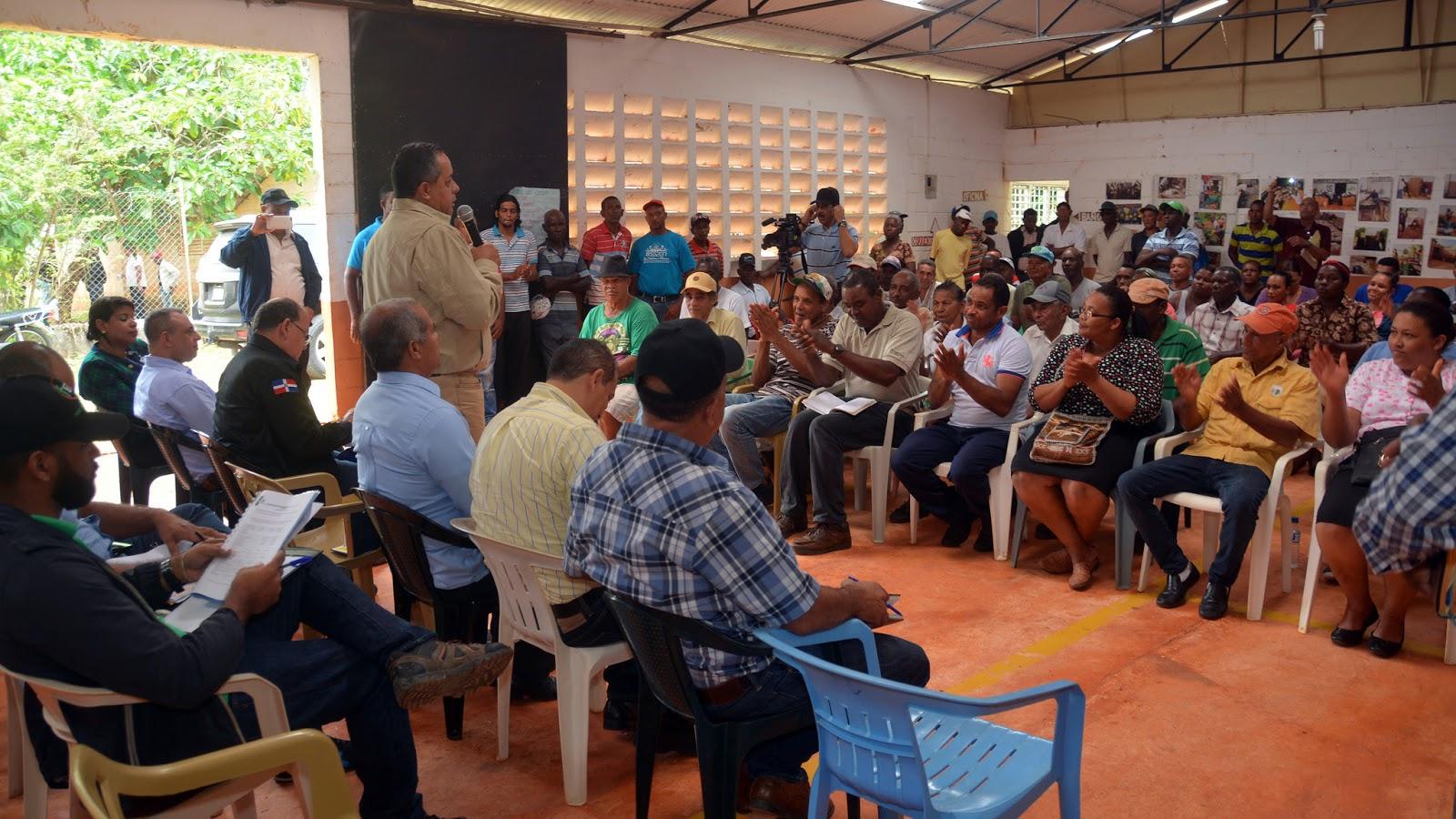Visita Sorpresa: productores de jengibre en Las Galeras recibirán beneficios inmediatos