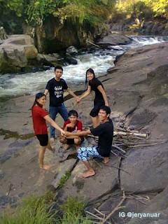 Nikmati Alam Gurung Makai Kapuas Hulu