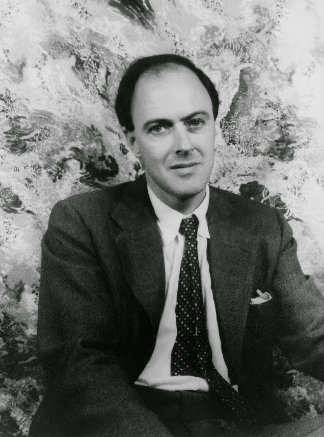 Photo of Roald Dahl: Source http://upload.wikimedia.org/wikipedia/commons/2/29/Roald_Dahl.jpg