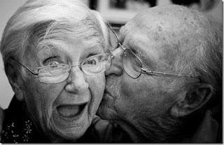Surat kakek untuk nenek...