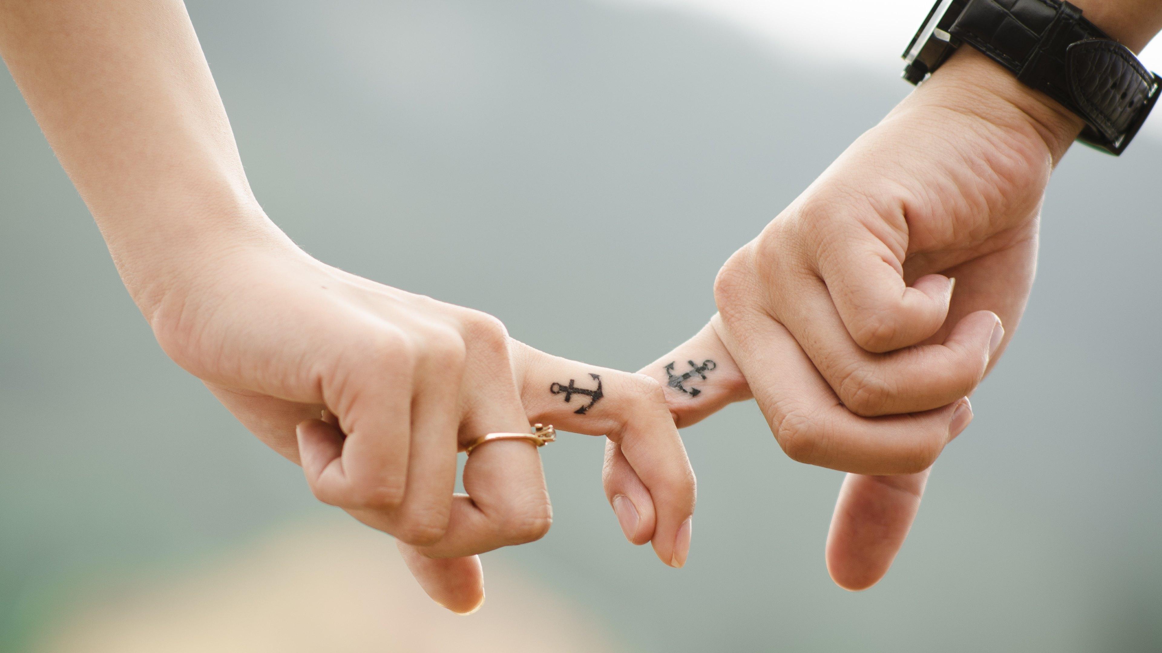 Hd wallpaper love couple - Wallpaper Hands Love Couple Family