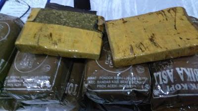 Paket 12 Kg Ganja Aceh Diamankan, Disamarkan di Dalam Bungkus Kopi