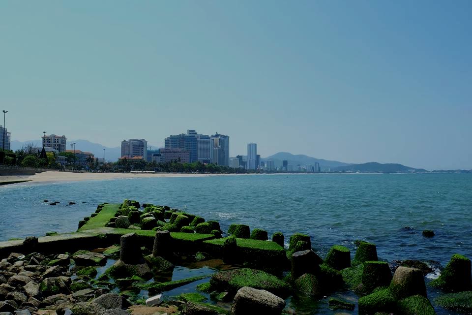 Hình ảnh du lịch Nha Trang trong ánh nắng rêu xanh
