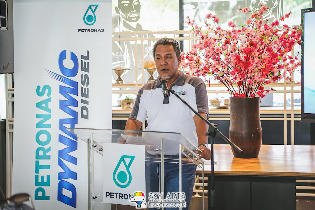 Encik Shaharuddin Muhammad Sidek, head of Retail Business Division in PETRONAS Dagangan Berhad giving speech during PetronasDynamic Xperience kick off event