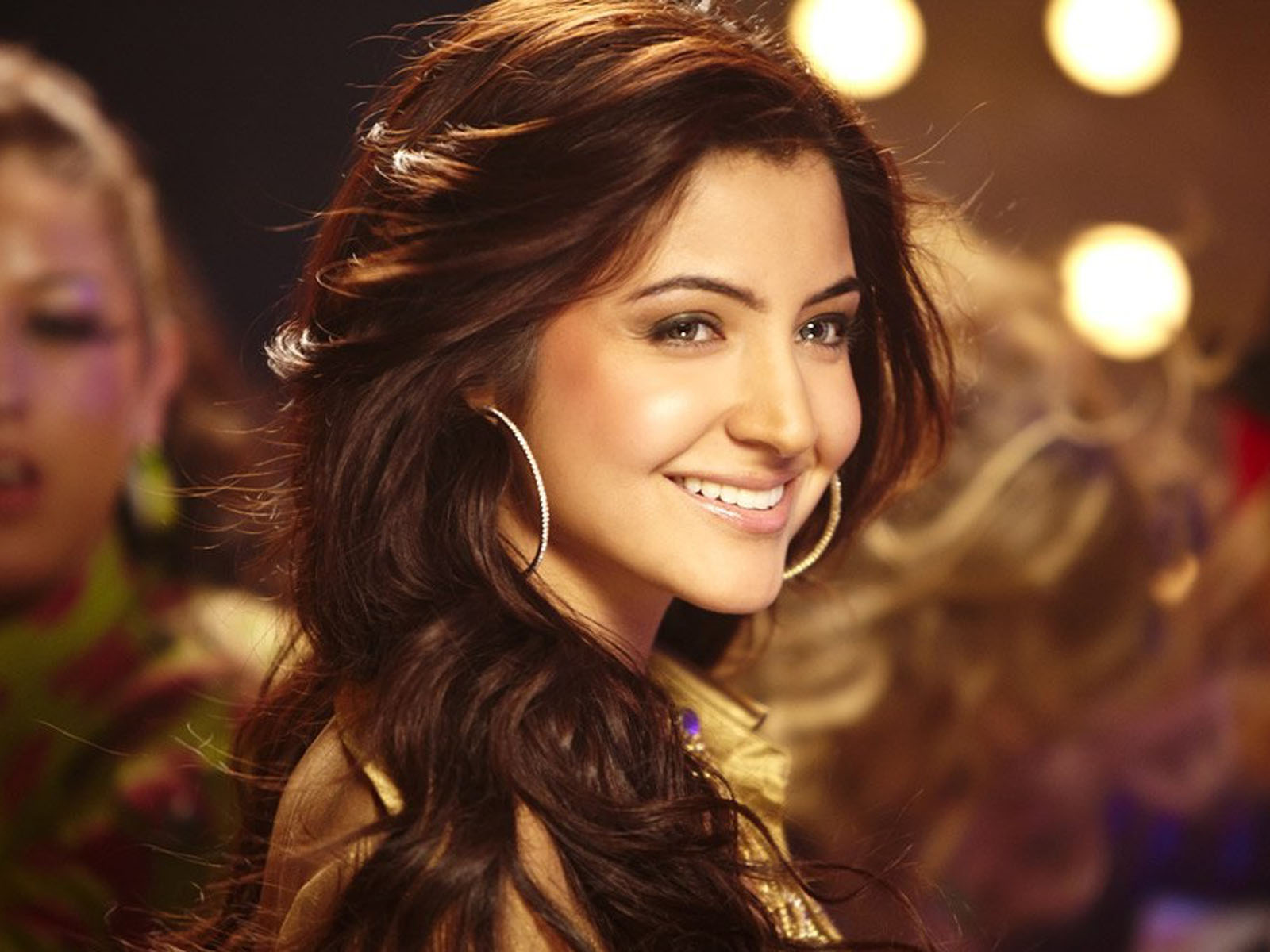 50+ anushka sharma hot hd images & 1080p wallpapers - hd images