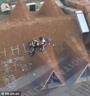 SHOCKING! These Students Were Caught Making Love in the Rooftop of a Building! Extremely Unbelievable!