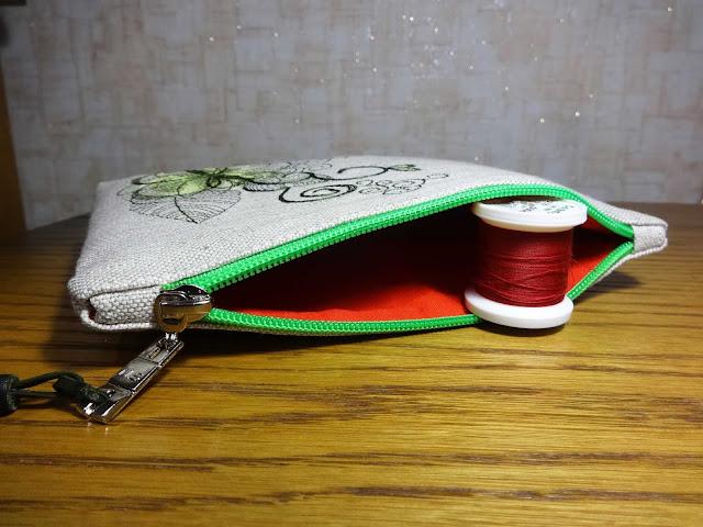 льняная сумочка-косметичка на заказ для девушки