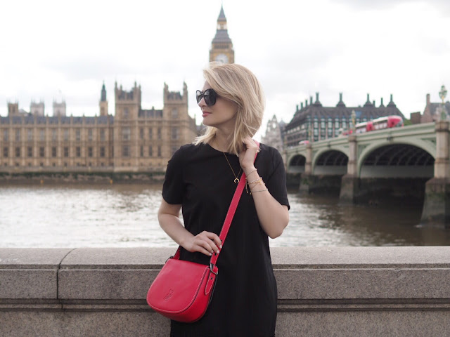 disneyxcoac, coach micky mouse bag, red saddle bag, london, westimster, big ben, travel, reise blogger