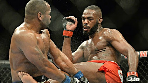 UFC FEED - WATCH OUT DANIEL 'DC' CORMIER, JON 'BONES' JONES IS BACK! http://www.ufcfeed.com/2015/10/...