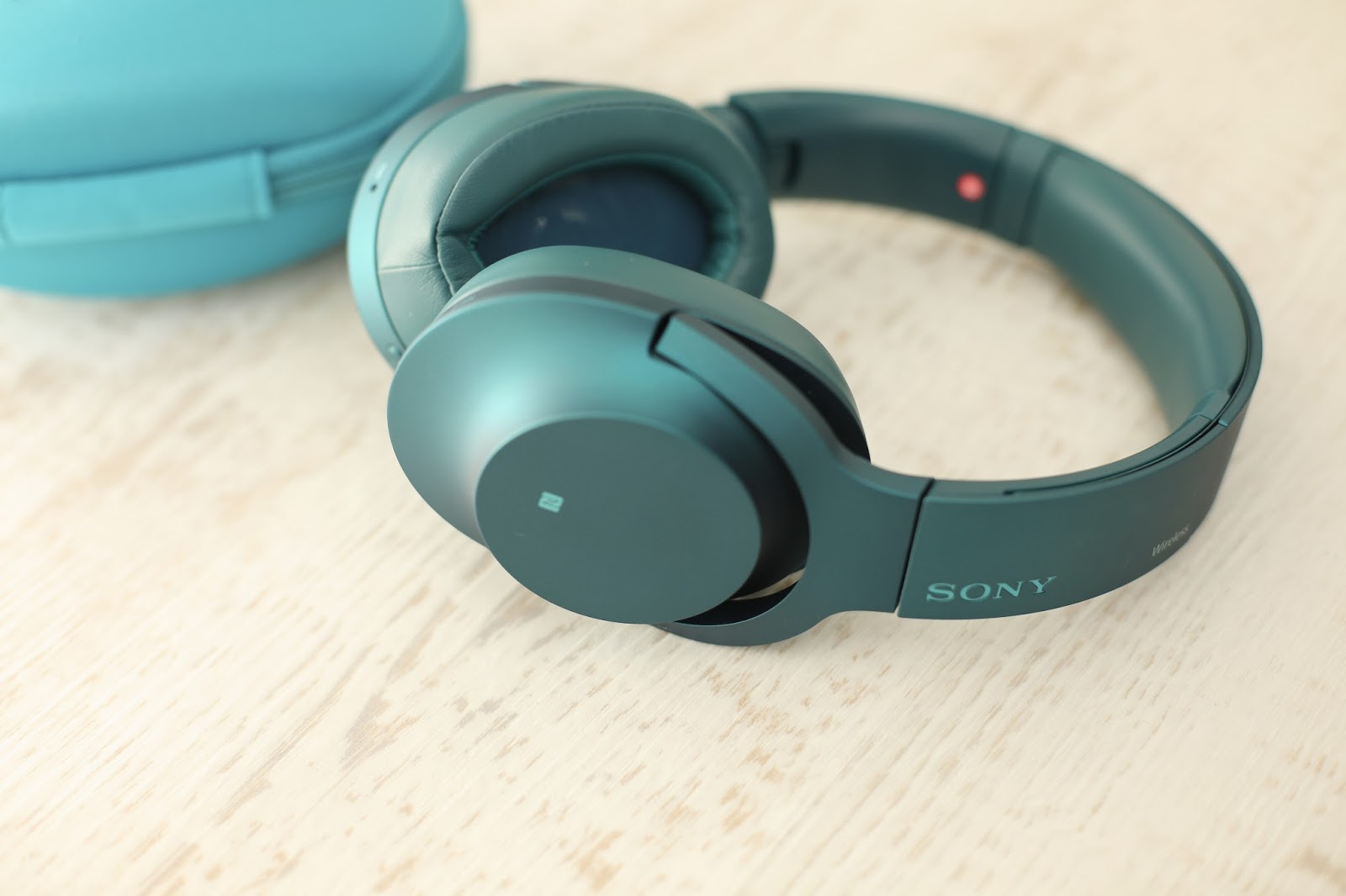 sony h.ear headphones