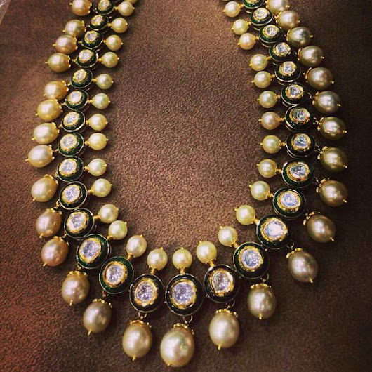 AMAZING POLKI DIAMOND WITH SOUTH SEA PAERL NECKLACE