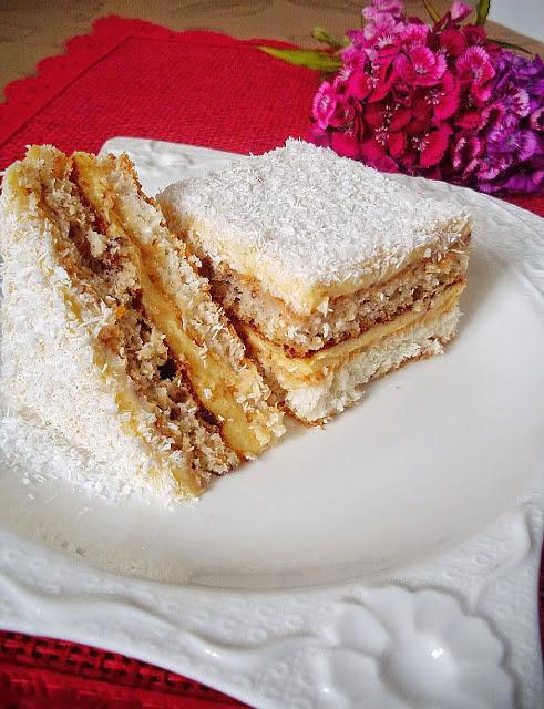 Kremasti kolač s kokosom