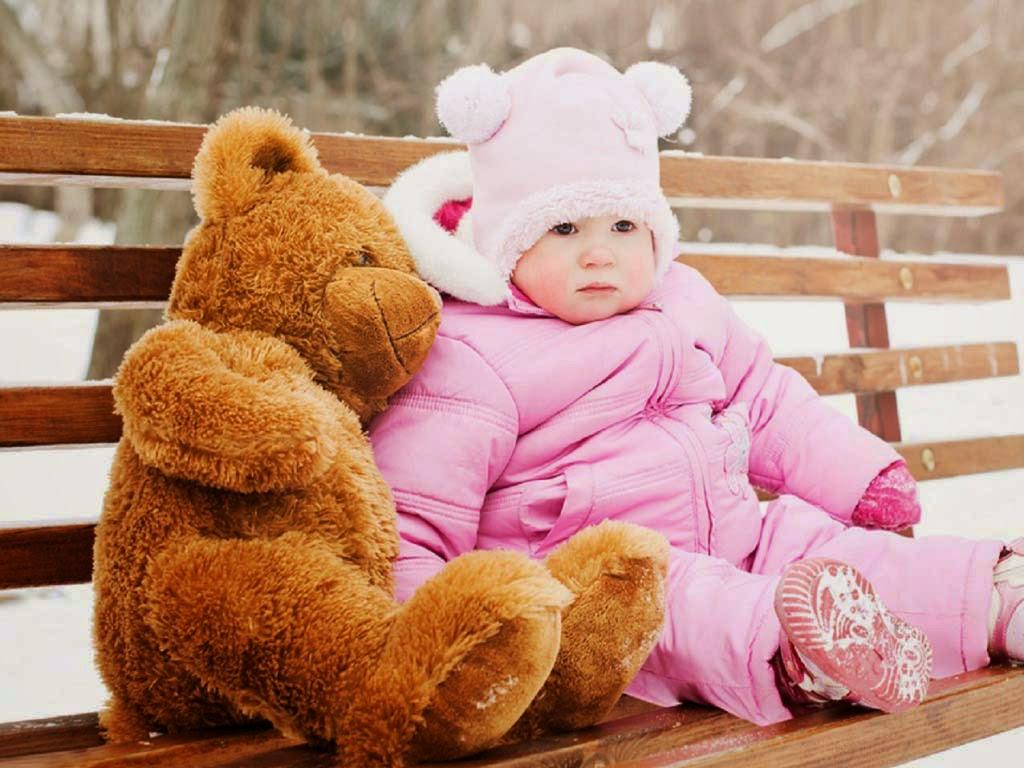 a-cuty-pink-baby-teddy-walls