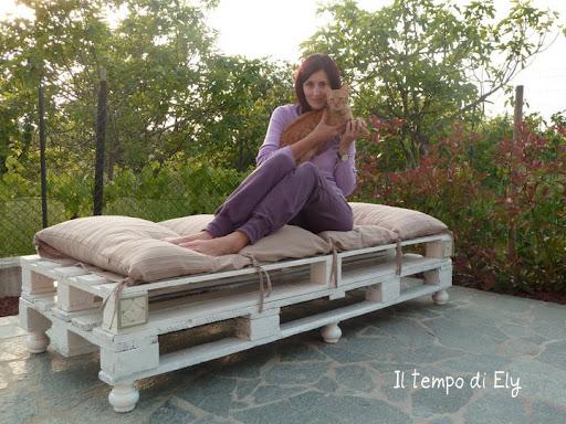 Il tempo di ely riciclare i bancali for Divano esterno legno