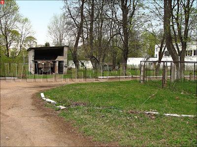 Кухтичи, Первомайск. Навес для погрузки хлама