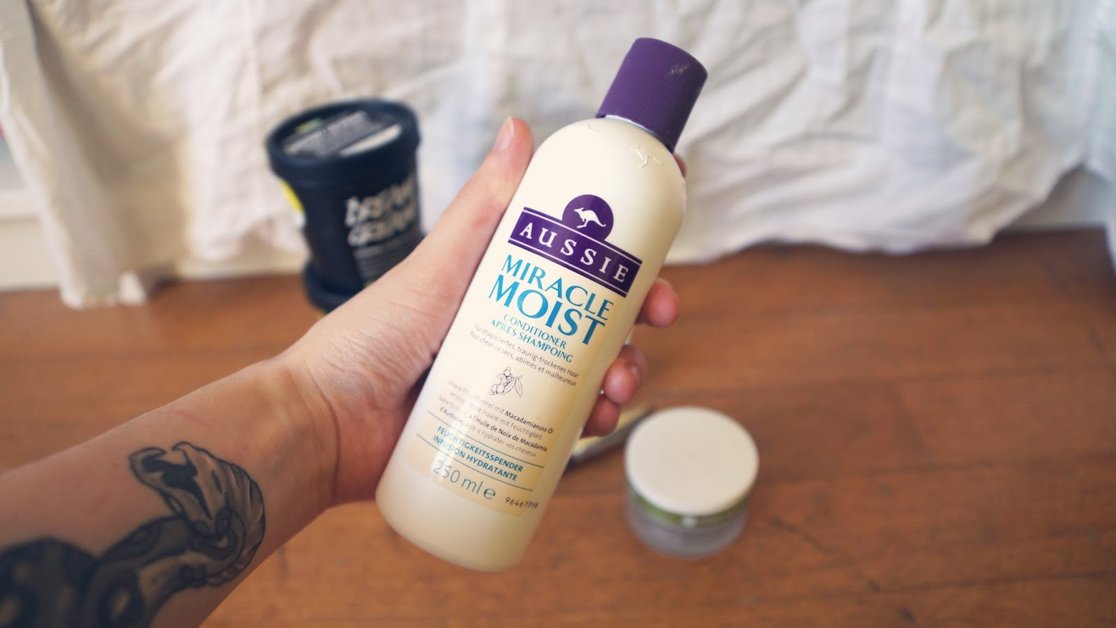 Aussie Miracle Moist Conditioner Review