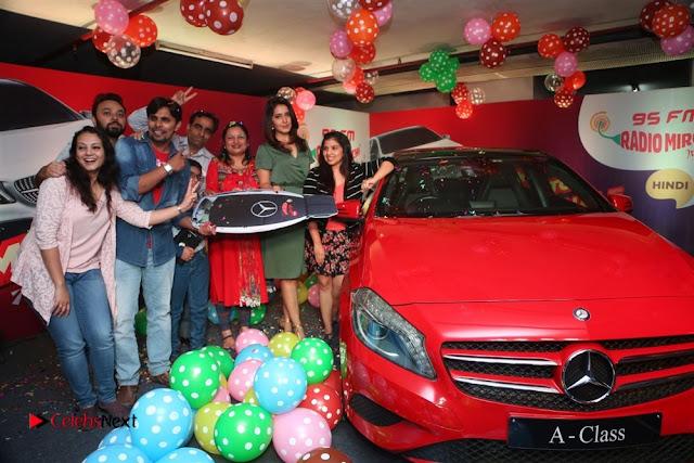 Raashi Khanna at Mirchi 95 Suno Mercedes Jeeto Contest Stills  0051