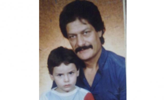 """هل تذكرون الفنان الراحل ناجي جبر """"أبو عنتر""""؟ تعرفوا على ابنه الممثل الصاعد الوسيم.."""