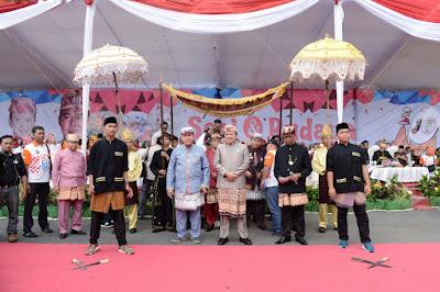 Gubernur Ridho Ikuti Pawai Seni dan Budaya Lampung Bersama 3500 Peserta dari 15 Kabupaten/Kota