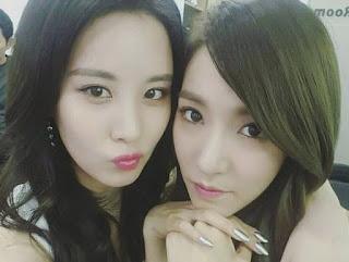 SNSD Tiffany and Seohyun