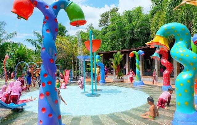 Playground Kolam renang Dira Waterpark Kencong