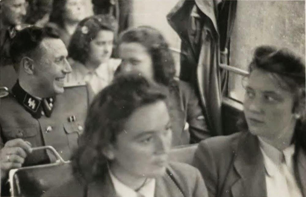 Karl Hoecker en ruta o regresando de Solahütte.
