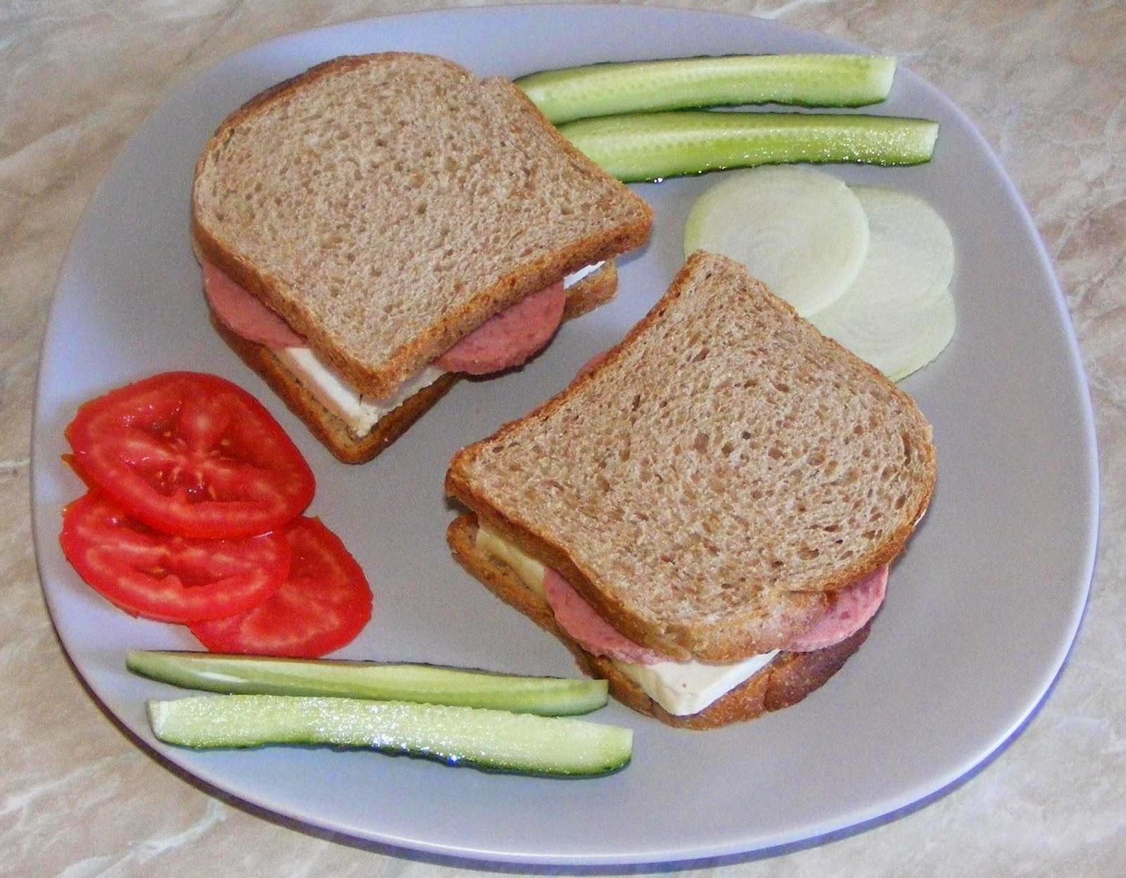 sandwich, sandwich la toaster, sandvis, sandvici, sendvici, sandwichuri, sandwich-uri, retete de mancare, retete mancare, gustari, gustare, retete rapide, retete usoare, sandwich retete, retete culinare, preparate culinare, retete mic dejun, reteta sandwich,