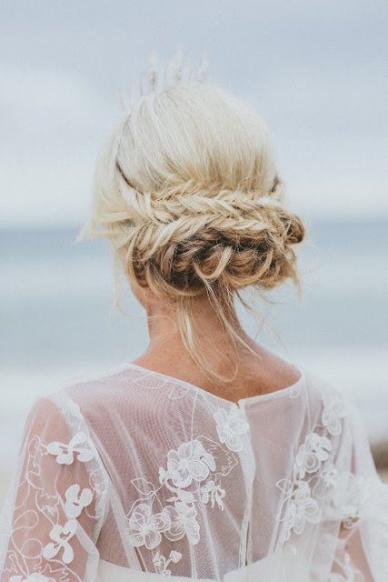 GOLD COAST BRIDAL HAIR SPECIALIST WEDDING HAIRSTYLIST BYRON BAY FEATHER AND FINCH PHOTOGRAPHY