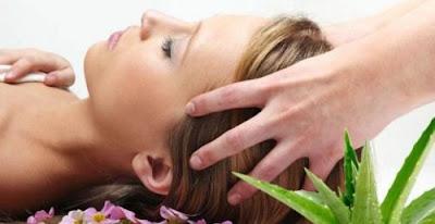 Tonique à l'aloe vera, l'oignon et l'huile de géranium pour stimuler la croissance des cheveux