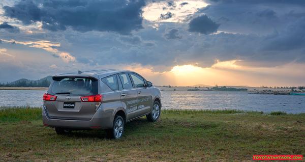 Câu chuyện xe Innova: Không biết lý do gì mà cả 3 lần tôi đều chọn Toyota Innova anh 5