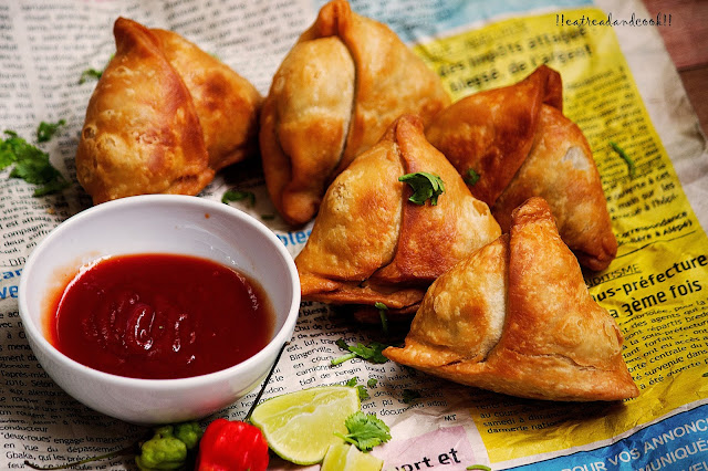 how to make Fulkopir Singara / Cauliflower Samosa / phulkopir singara recipe and preparation with step by step pictures