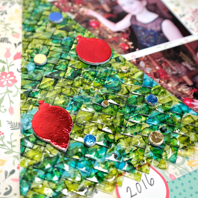 Alcohol Inked Clear Photo Corner Christmas Tree Embellishment by Dana Tatar for Scrapbook Adhesives by 3L
