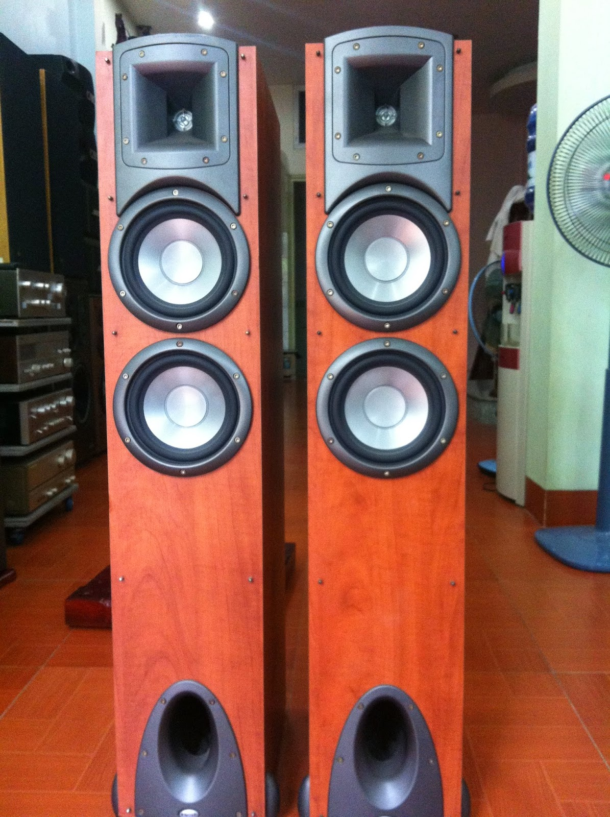 Loa Mỹ - Klipsch - Synergy F2 Florstander CHY- Made in USA