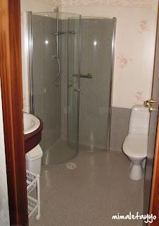 Hotel Hekla. Baño de habitación doble