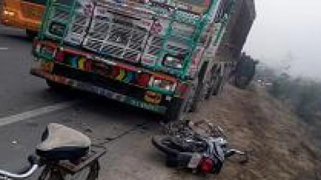 बहन की शादी की खरीदारी करने आए युवक को ट्रक ने रौंदा, मौत, 3 घायल | SHIVPURI NEWS