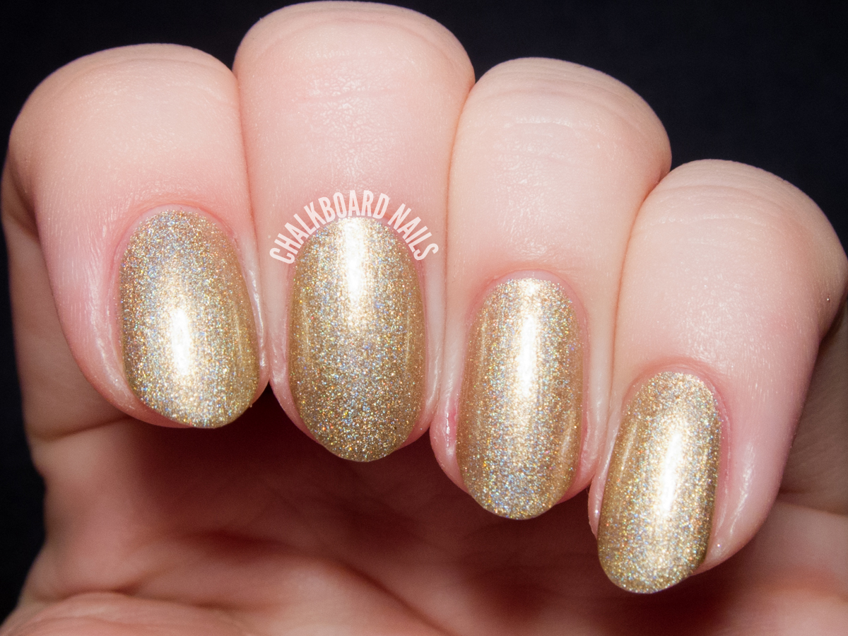 Girly Bits Walk Like an Egyptian via @chalkboardnails