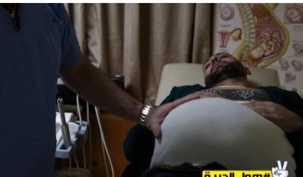 للمرّة الأولى.. رجل حامل في لبنان ما رأيكم في ما فعله هؤلاء الرجال !
