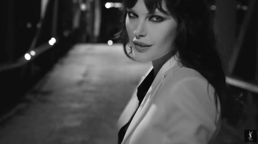 Modello e modella Yves Saint Laurent pubblicità spot in bianco e nero con Foto - Testimonial Spot Pubblicitario Yves Saint Laurent 2016